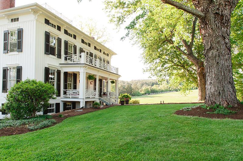 Guildford-Farm-Grand-Lawn-Manor-Home