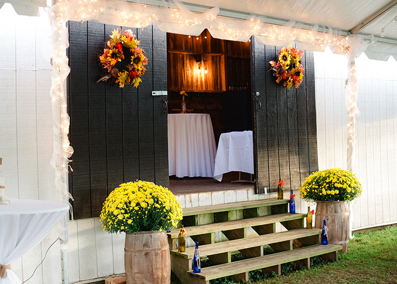 Wedding-Barn-Rustic-Reception