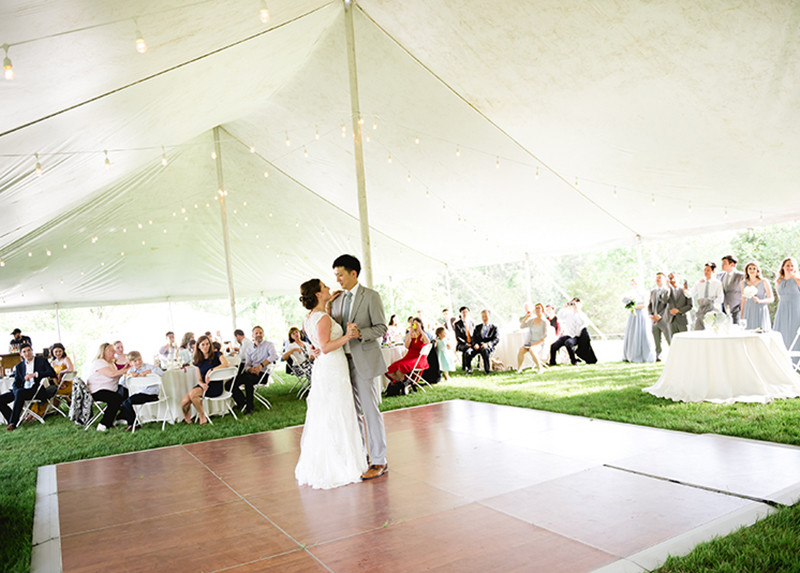Wedding-Reception-outside-barn