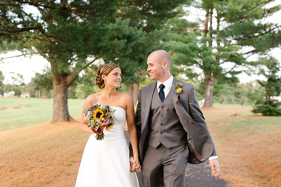 Guildford-Farm-Outdoor-Wedding-Bride-and-Groom-Walkway