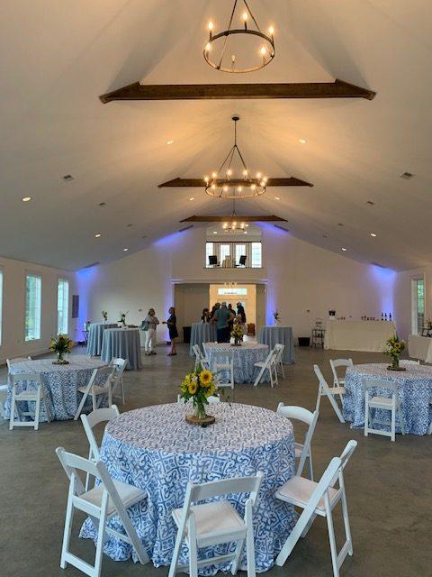 Wedding-Reception-venue-rustic-barn